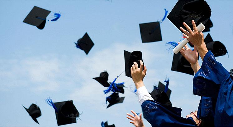 Sistema de ensino superior no Brasil é composto por escolas públicas e privadas